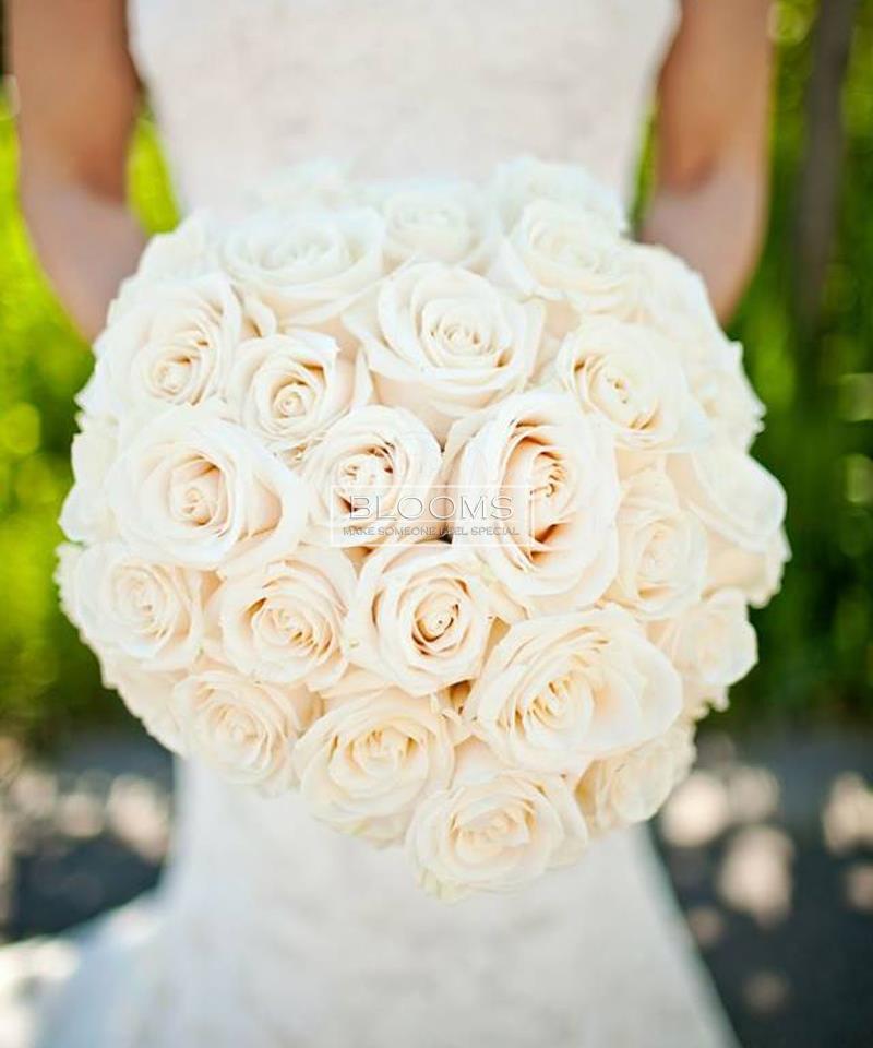 საქორწინო თაიგული 30 თეთრი ვარდით