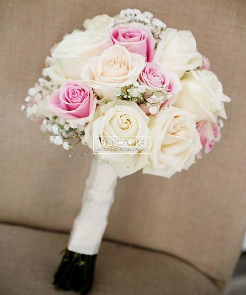 საქორწინო თაიგული 15 თეთრი და ვარდისფერი ვარდით
