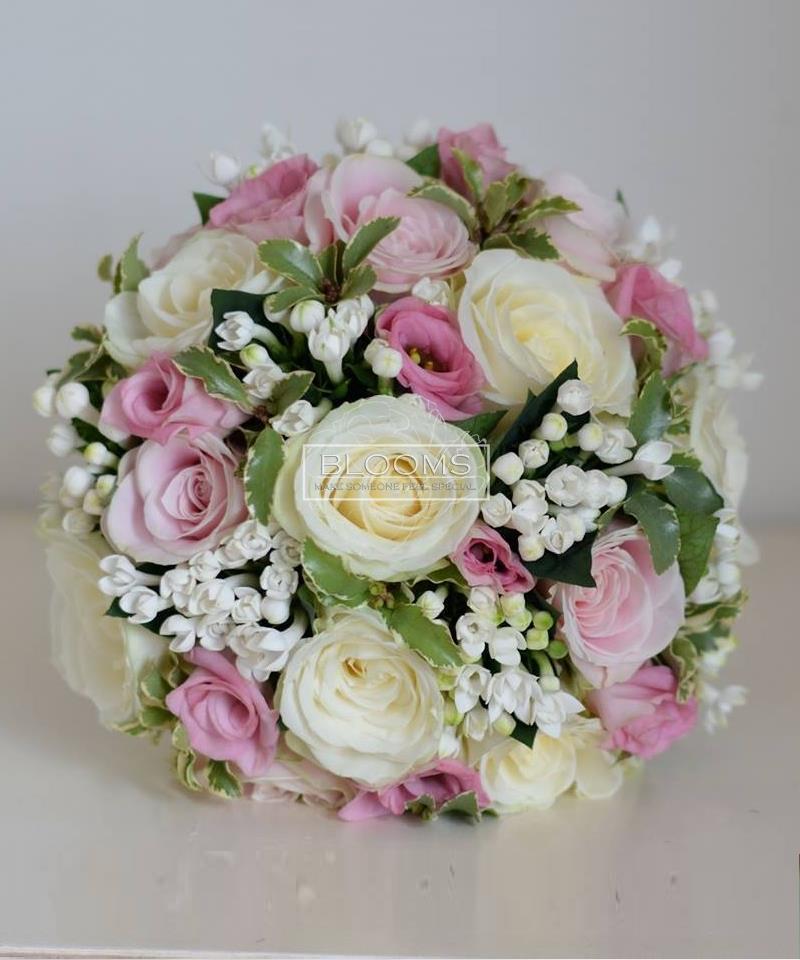 საქორწინო თაიგული 20 ვარდისფერი და თეთრი ვარდებით