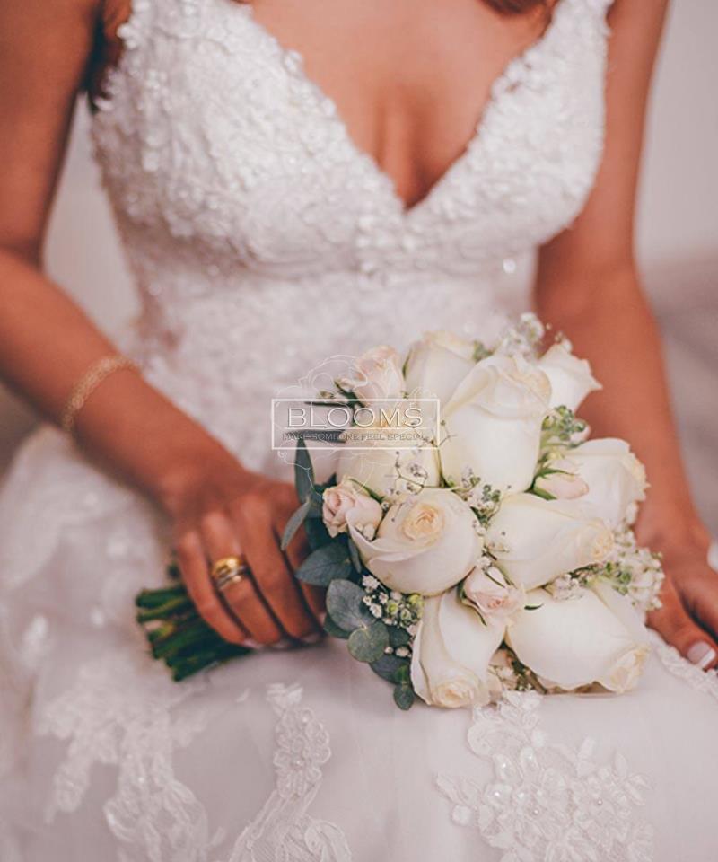 საქორწინო თაიგული 15 ვარდით