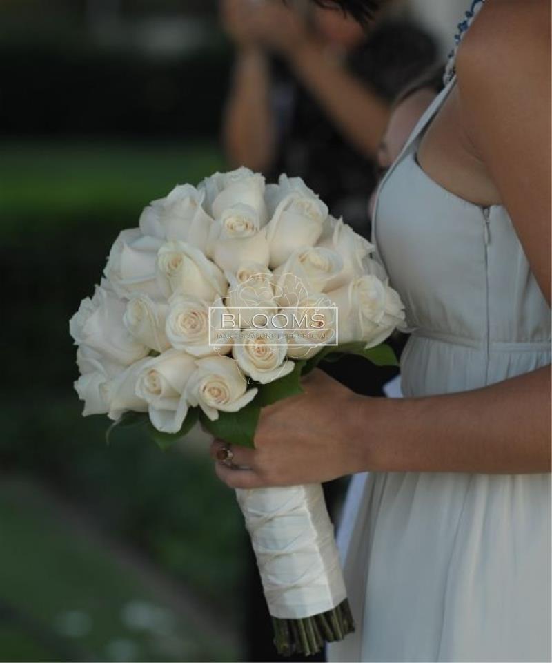 თეთრი ვარდების საქორწინო თაიგული